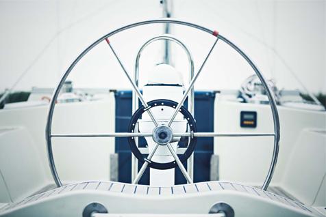 Обучение управлению яхтой на Нарочи